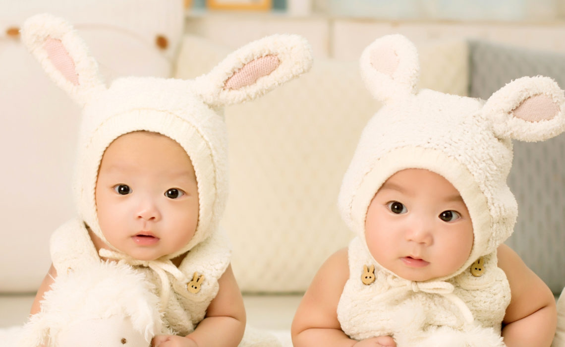 Are you expecting twins? Top 10 essentials to be well prepared.